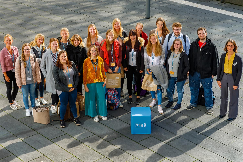Studienanfänger*innen des Master-Studiengangs 'Gesundheit und Diversity in der Arbeit'.