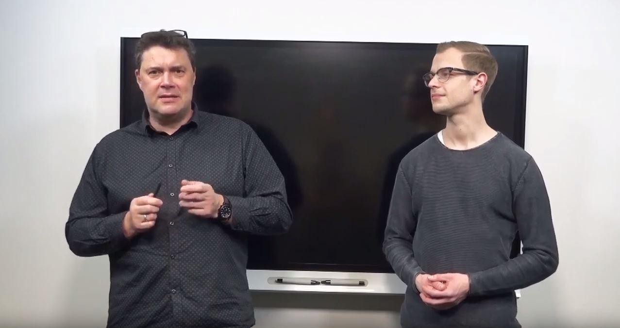 Dozent Ulrich Birkmann (links) und Mentor Florian Heimann (rechts)