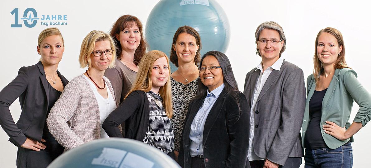 Im Jahr 2015 gehörten zum Team des DoCH: Im Bild v.l. Claudia Schmidt (erste Mitarbeiterin im DoCH), Prof. Dr. Gudrun Faller, Tanja Kuhlemann, Jennifer Fehr, Prof. Dr. habil. Heike Köckler, Dr. Shoma Berkemeyer, Prof. Dr. Katrin Janhsen und Muriel-Sophie Schmidt.