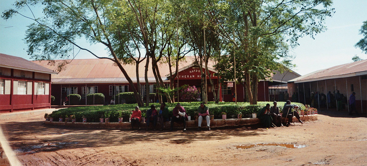 Zu sehen ist das Haydom Lutheran Hospital in Tansania, in dem Carsten Krüger als Kinderarzt gearbeitet hat.