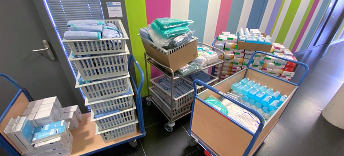 Das Department für Pflegewissenschaft hat den gesamten Bestand an Infektionsschutzmaterialien an die Stadt Bochum übergeben.