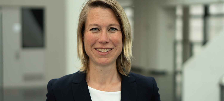 Das BIld zeigt Dr. Antje Weseler, Vertretungsprofessorin für Translationale Pharmakologie und Medizin im Department für Pflegewissenschaft